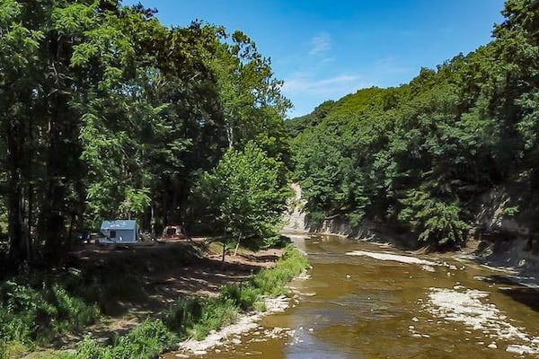 Glamping and camping options around Pennsylvania